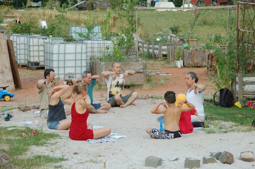 Yoga im Weidendom.